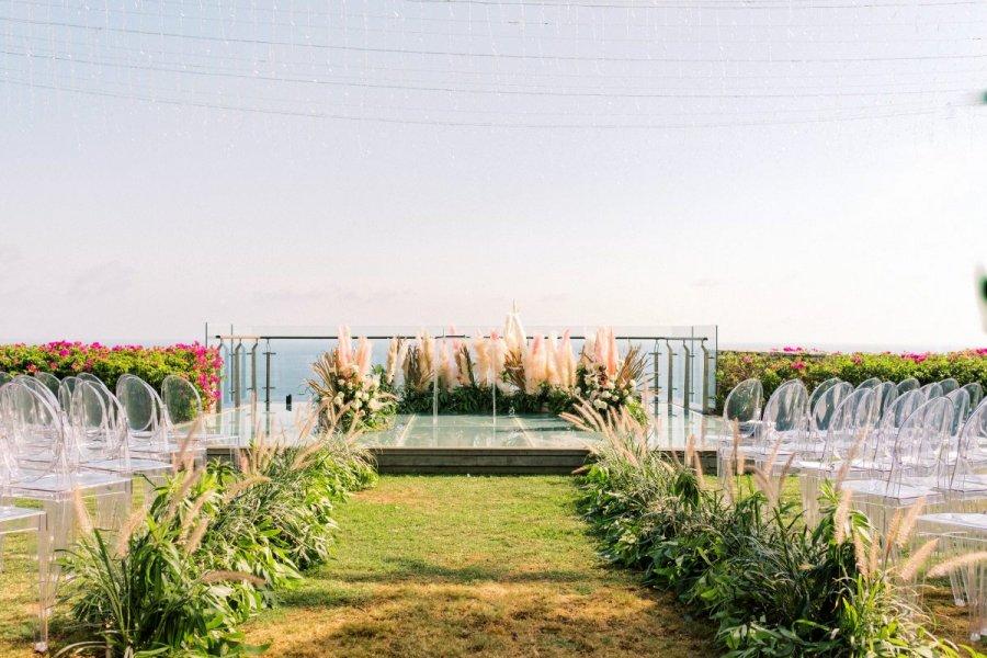 The Ceremony at Tirtha Uluwatu | Air Wedding